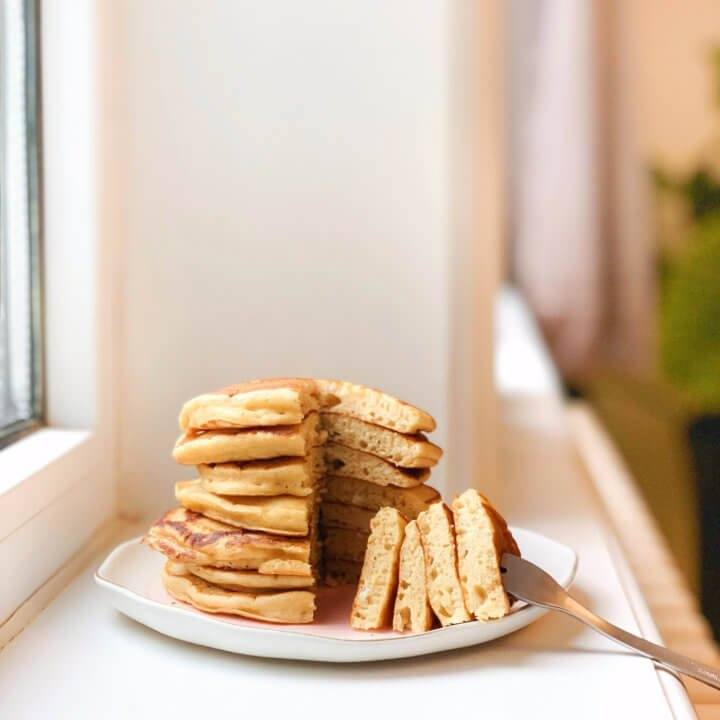 Pinterest healthy recipe, buttermilk fluffy pancakes, no butter, dairy free gluten free, breakfast recipe ideas, low cal and low fat, weight watchers